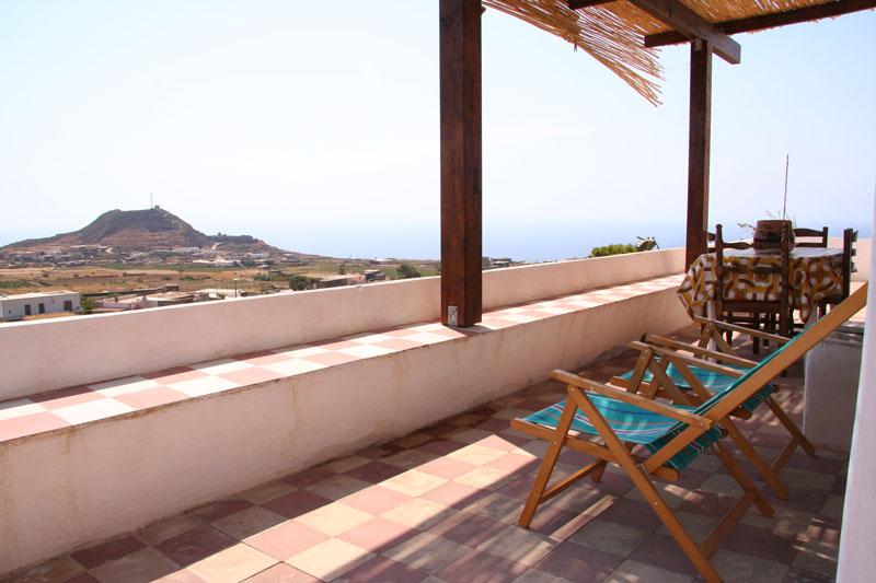 Dammuso dammuso pantelleria for Sdraio terrazzo